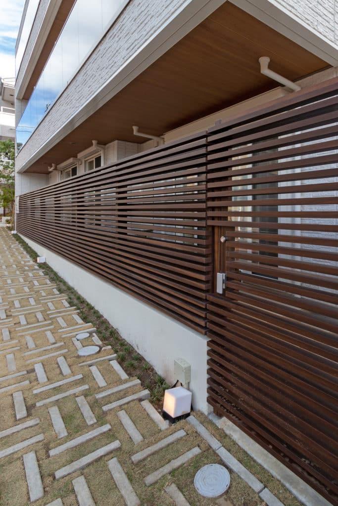 Aluminium Sichtschutz in Holzoptik
