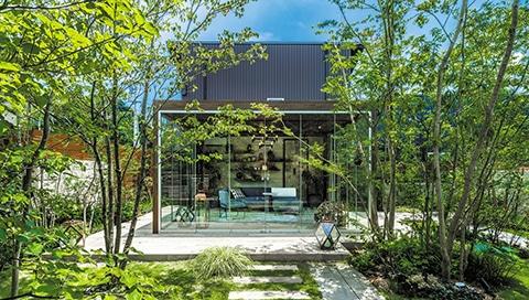 Hochwertiger Design Garten mit Haus und Aluminium Verbundplatten